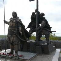Памятник основателям Обдорска