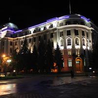 Харьков. Привокзальная площадь ночью.
