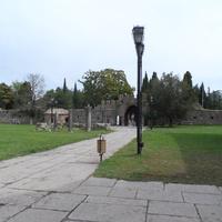 На территории крепости
