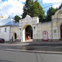 Богородице-Рождественский мужской монастырь. Вход
