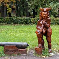 Деревянная скульптура в Нижнем парке