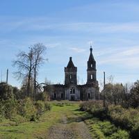 Введенская церковь в Хотово, другой ракурс