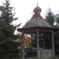 Территория церкови Михаила Архангела