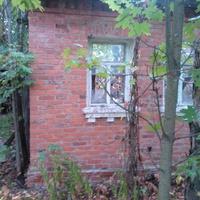 Заброшенный частный дом
