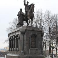 Владимир. Памятник князю Владимиру и святителю Фёдору.