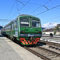 На железнодорожном вокзале в Адлере