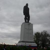 г.Оренбург набережная Урала памятник В.П.Чкалову