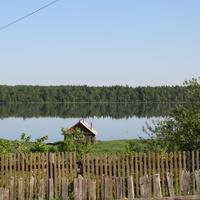 Вид на озеро утром