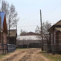 Улица села Подстепное, видна Лютеранская церковь