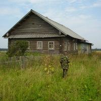 Большая Серёдка. Ещё один опустевший дом...