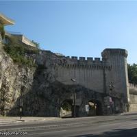 Скалистый участок крепости