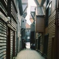 Внутренние дворики знаменитых старых домов Бергенской  набережной