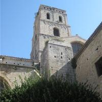 Колокольня собора Св.Трофима