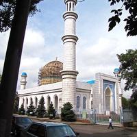 Центральная мечеть города Алматы - одна из крупнейших и красивейших мечетей Казахстана