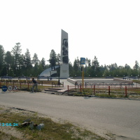 Памятник первопроходцам, июнь 2012г.