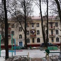 Во дворе 85-х домов по Варшавке