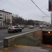 Пешеходный переход у 81 дома по Варшавке