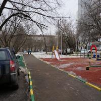 Двор у новых домов по Варшавке