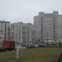 Вид на площадь Сикорского.