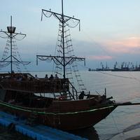 Бердянск. Пристань на Набережной.
