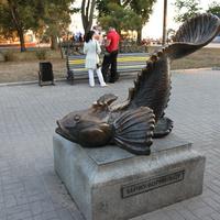 Бердянск. Памятник бычку-кормильцу.