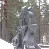 """Памятник на Левашовой Пустоши- """"Молох тоталитаризма"""", другой ракурс"""