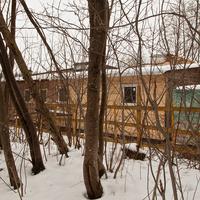 Конюшня в парке Александрова Дача