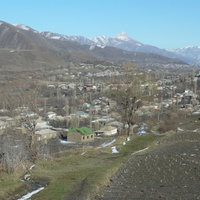 Вид на часть селения. Вдали селения Зрых и Хрюг
