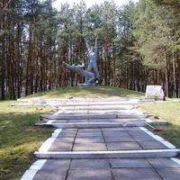 Памятник Орлятам