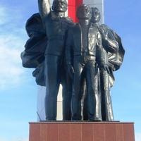 Памятник под Стеллой