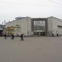 "Станция метро ""Улица Дыбенко"""