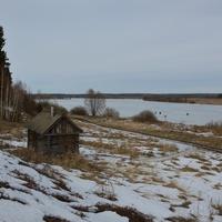 Крутой берег озера Святого.