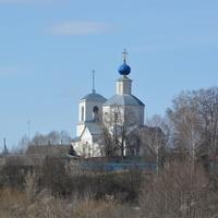 Церковь. Взгляд с лугов.