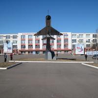 МиГ-21 на площади перед Сарапульским ЭГЗ