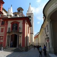 Улица, вход в храм