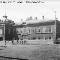 Бикбардинская школа - бывший дом помещика