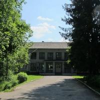 Хвойный, жилой дом, школа №275