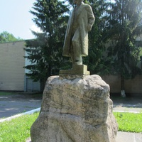 памятник Ленину В.И., другой ракурс