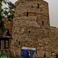 Башня Темнушка в Изборской крепости