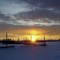 Саранпауль. Закат за околицей. Ханты-Мансийский автономный округ-Югра. Западная Сибирь.