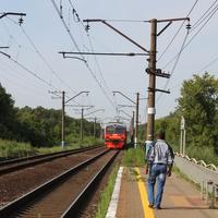 Октябрьский. Железнодорожная платформа.