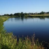 Плотина - единственное место для купания