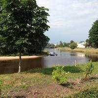 Река Полисть около Воскресенского собора