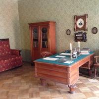 В Государственном Литературно-мемориальном музее Ф. М. Достоевского
