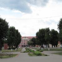Центр Ивья