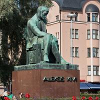 Памятник финскому писателю Алексису Киви
