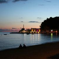 Ночной пляж Петроваца