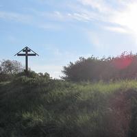 НА ВЪЕЗДЕ В КРАСНОЕ СЕЛО ПАМЯТНЫЙ КРЕСТ