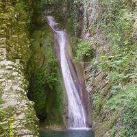 """Водопад """"Чудо-красотка"""" в Самшитовом ущелье около Лазаревского"""
