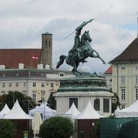 Статуя эрцгерцога Карла Тешенского на Хельденплац